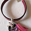 Bracelet double cuir Croix en argent massif, médaille en nacre gravée, colombe en argent massif et pompon assorti