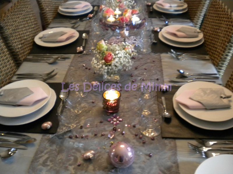 Ma table de no l en gris argent et vieux rose les for Decoration de table de noel argent