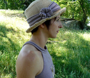 chapeau_pasticcino_joue_d_enfant_profil_1_copie