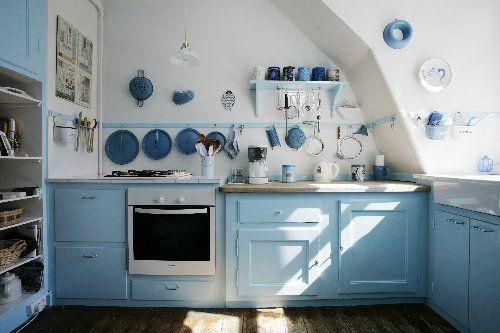 la question couleur la decoanglaise le bleu ciel et. Black Bedroom Furniture Sets. Home Design Ideas