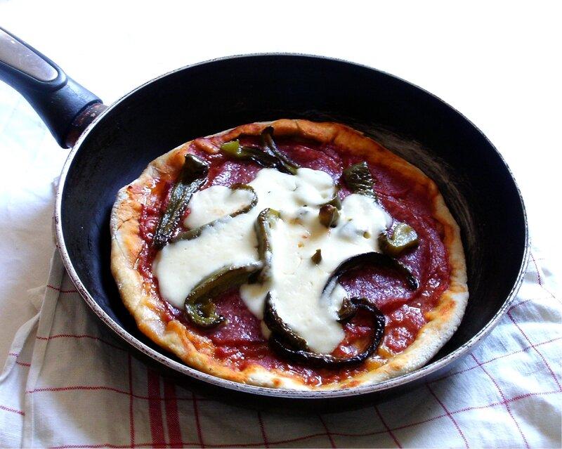 Pizza au salami à la poèle et au salami2