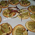 Tartelettes pâte maison à la rhubarbe du jardin et au beurre salé