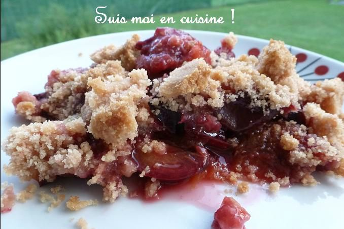 Crumble rose aux quetsches