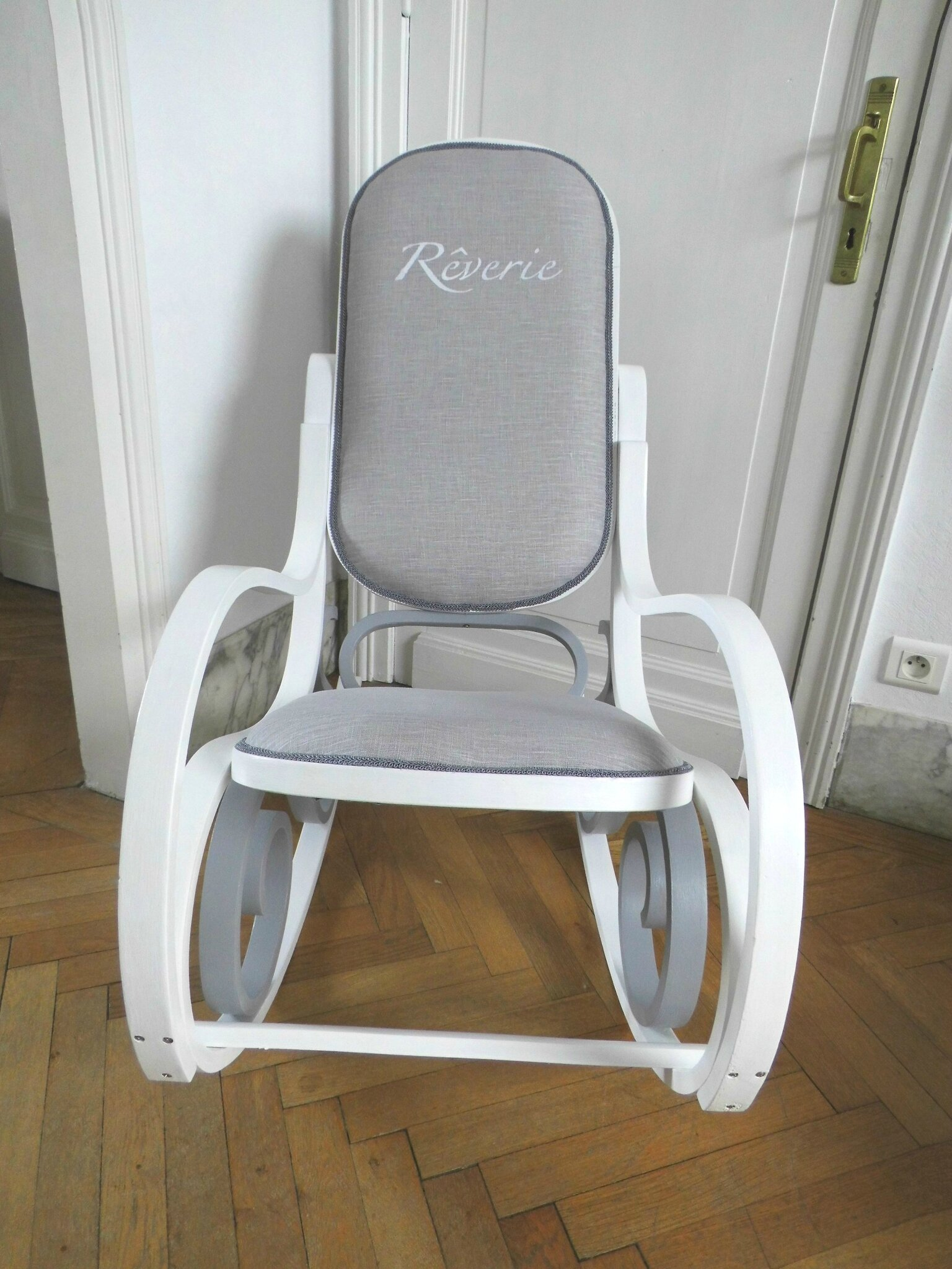rocking chair pour allaiter perfect rocking chair pour allaiter with rocking chair pour. Black Bedroom Furniture Sets. Home Design Ideas