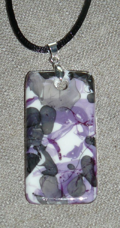 Lustres violet et noir