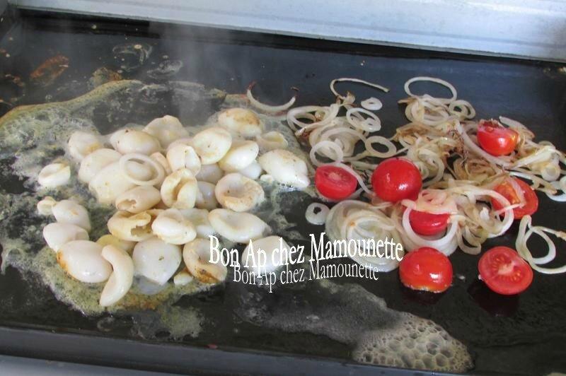 calamars à la plancha oignons et tomates cerises 012