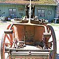 Ancienne pompe a bras à incendie de pompier