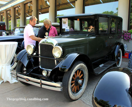 Studebaker_type_ER_standard_six_four_door_sedan_de_1934__34_me_Internationales_Oldtimer_meeting_de_Baden_Baden__01