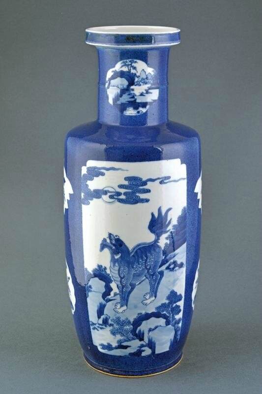 A beautiful blue and white rouleau vase, Qing dynasty (1644-1911)
