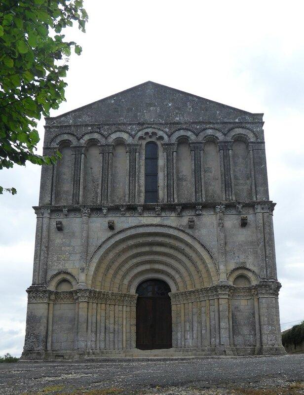 Echebrune-façade