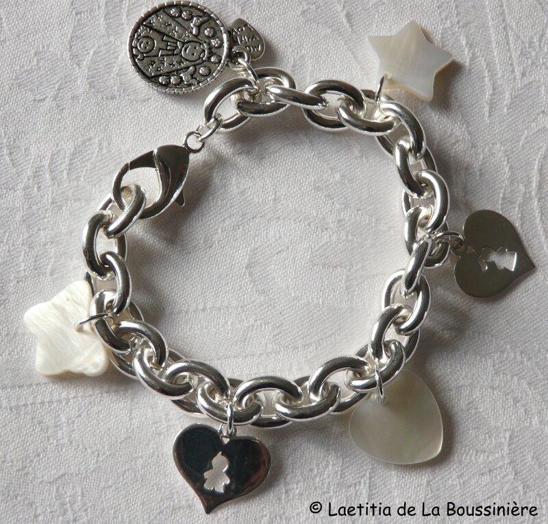 Bracelet chaîne plaqué argent ovale, breloques argent massif et nacre