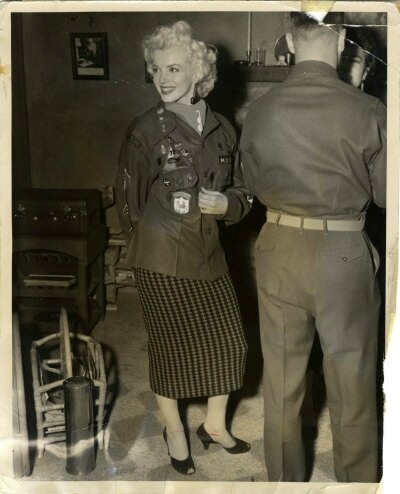 1954-02-16-5_after_perform_7th_infantery_division-5-1