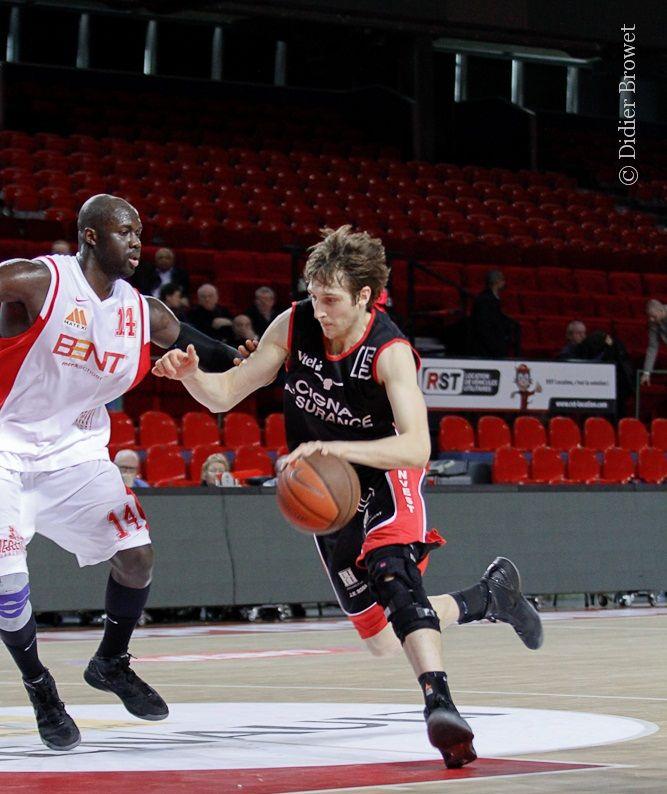 Nico Wacho vs Ahmet Gueye
