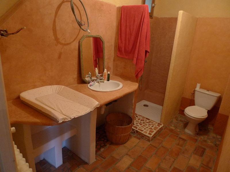 The bathroom, YEEEEEEPA!!! - L\'Aiguille Vagabonde