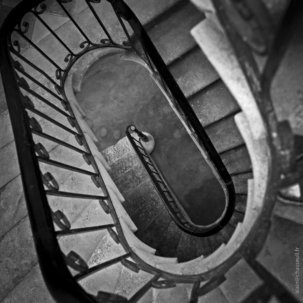 nos amis les escaliers perdre du poids sans l 39 effet yoyo bye bye les r gimes dangereux. Black Bedroom Furniture Sets. Home Design Ideas