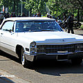 Cadillac deVille convertible de 1966 (Retrorencard mai 2011) 01