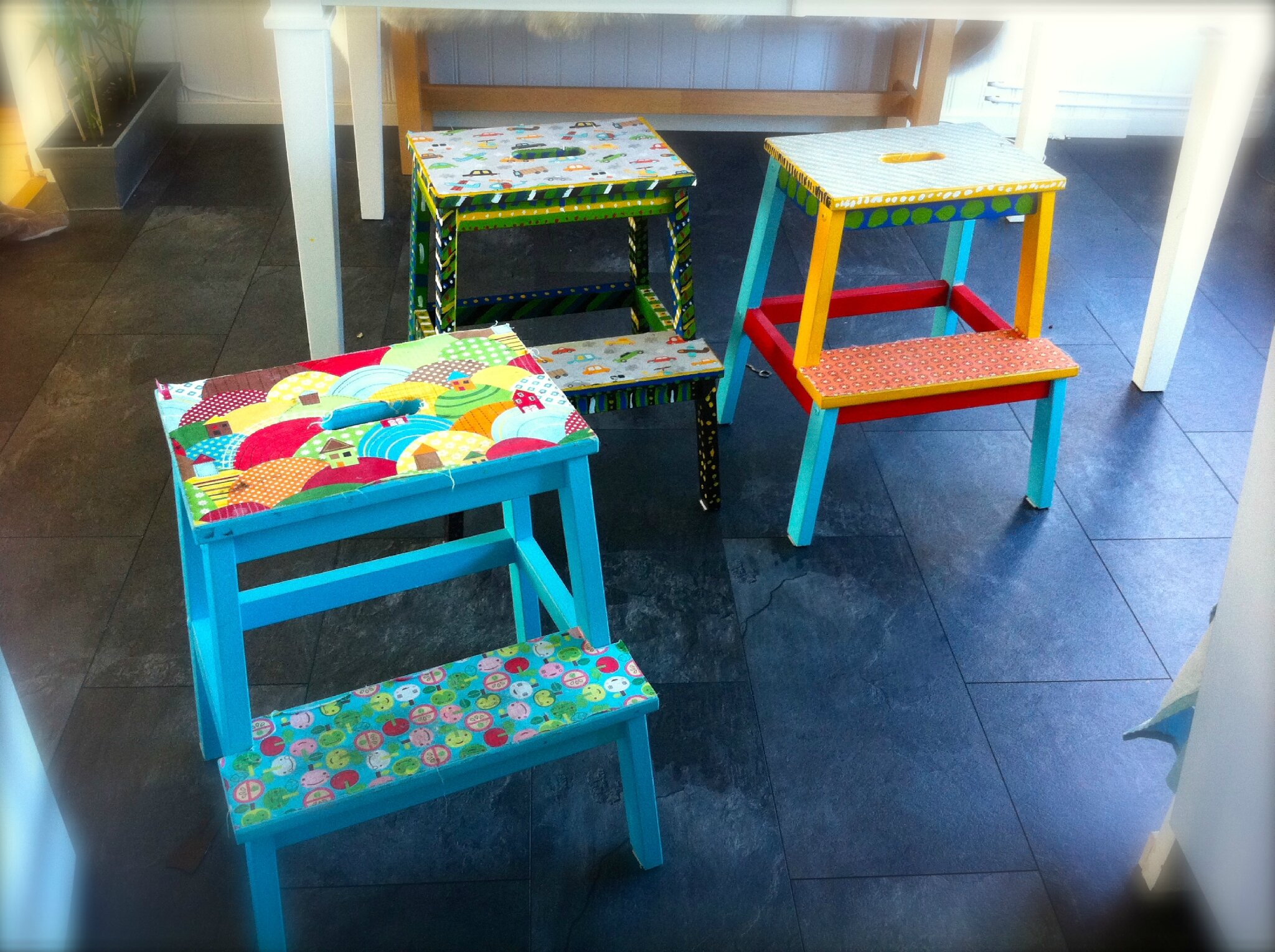 Customiser vos escabeaux ou chaise de table pour enfant mon escargot - Customiser une chaise ...