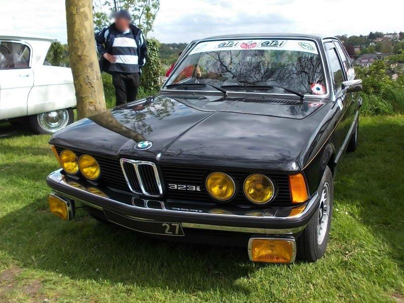 BMW323iE21av
