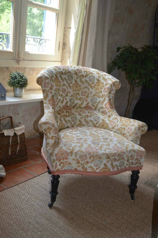 J 39 habille mon fauteuil little something for Housse fauteuil crapaud