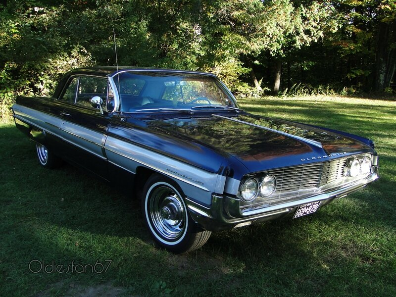 oldsmobile-dynamic-88-holiday-hardtop-coupe-1962