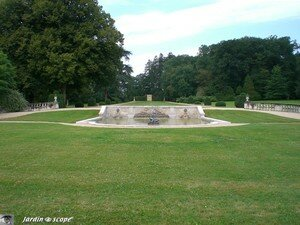 6143_Jardin_regulier_Bouges