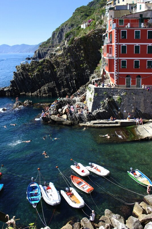 5-follow-me-white-rabbit-cinque-terre-italie-riomaggore (9)