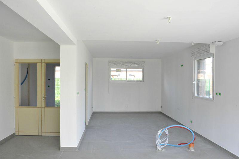 Sous couche acrylique notre maison cubique construite - Peinture acrylique cuisine ...