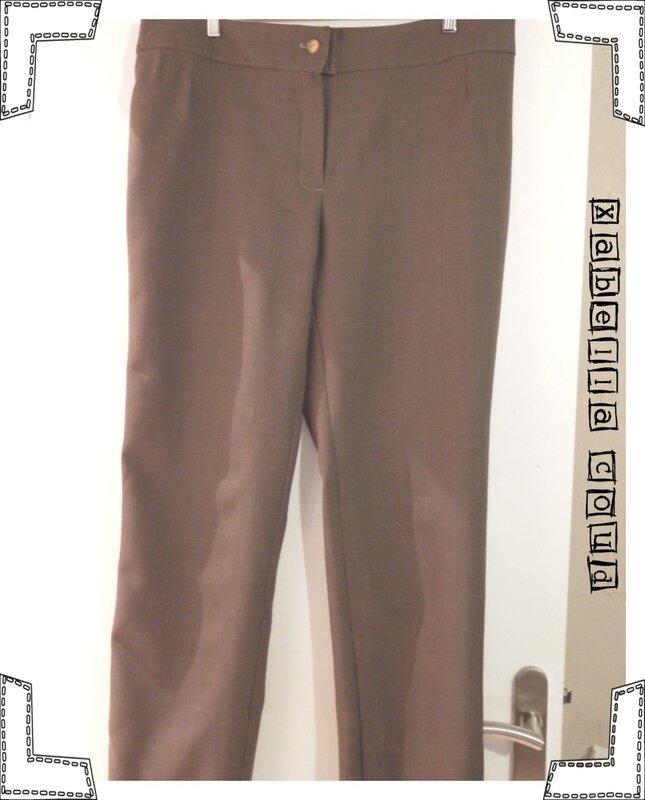 pantalon marron entier