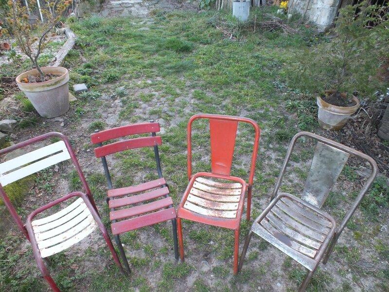 Chaises En Fer Vintage