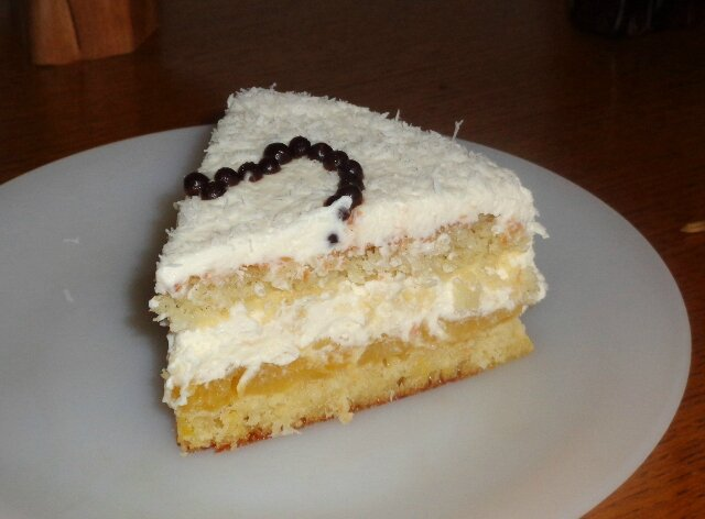 Part entremet coco, mangue, chantilly