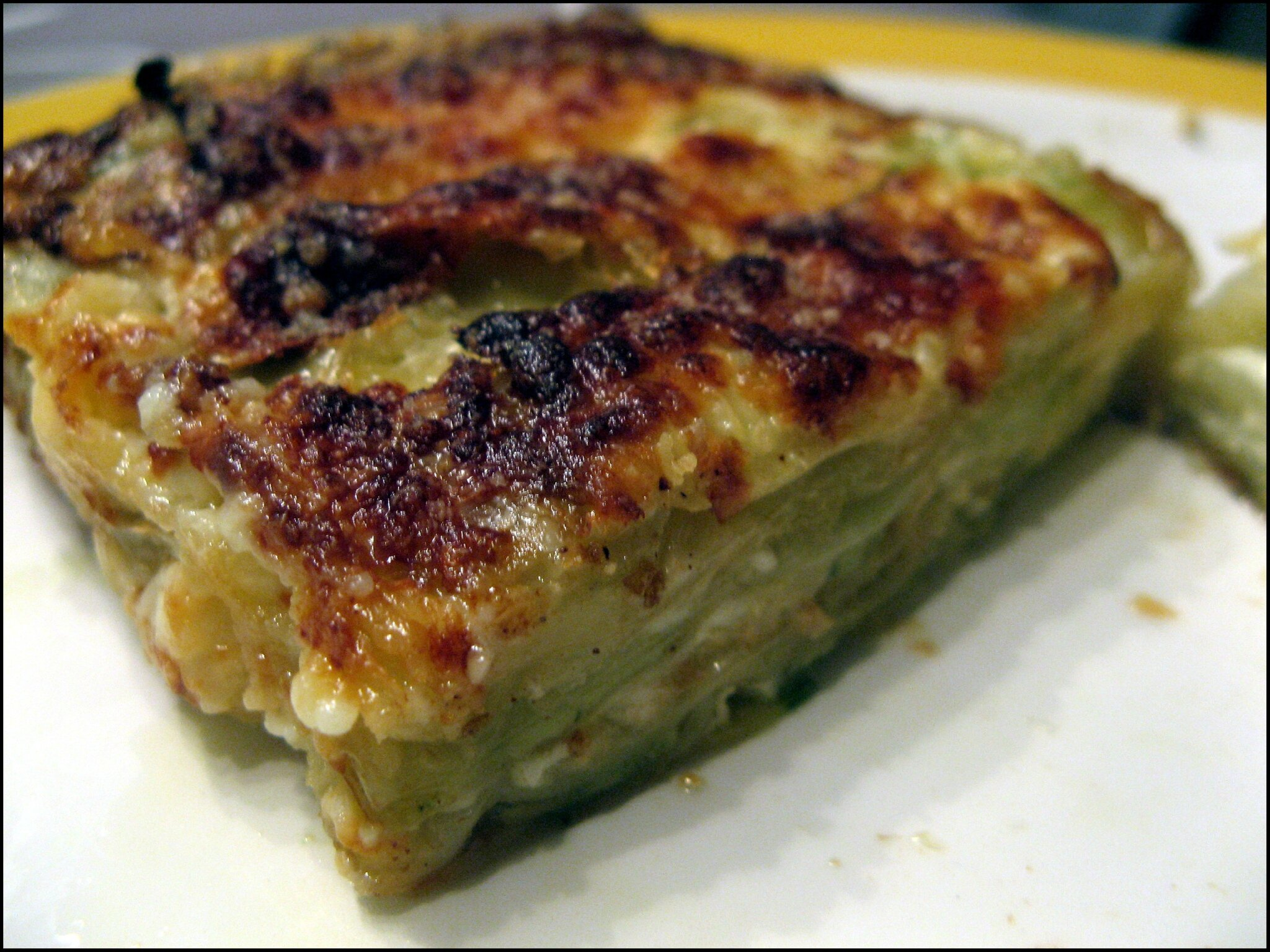 gratin de ravioles de romans aux courgettes a la table de gaelle. Black Bedroom Furniture Sets. Home Design Ideas