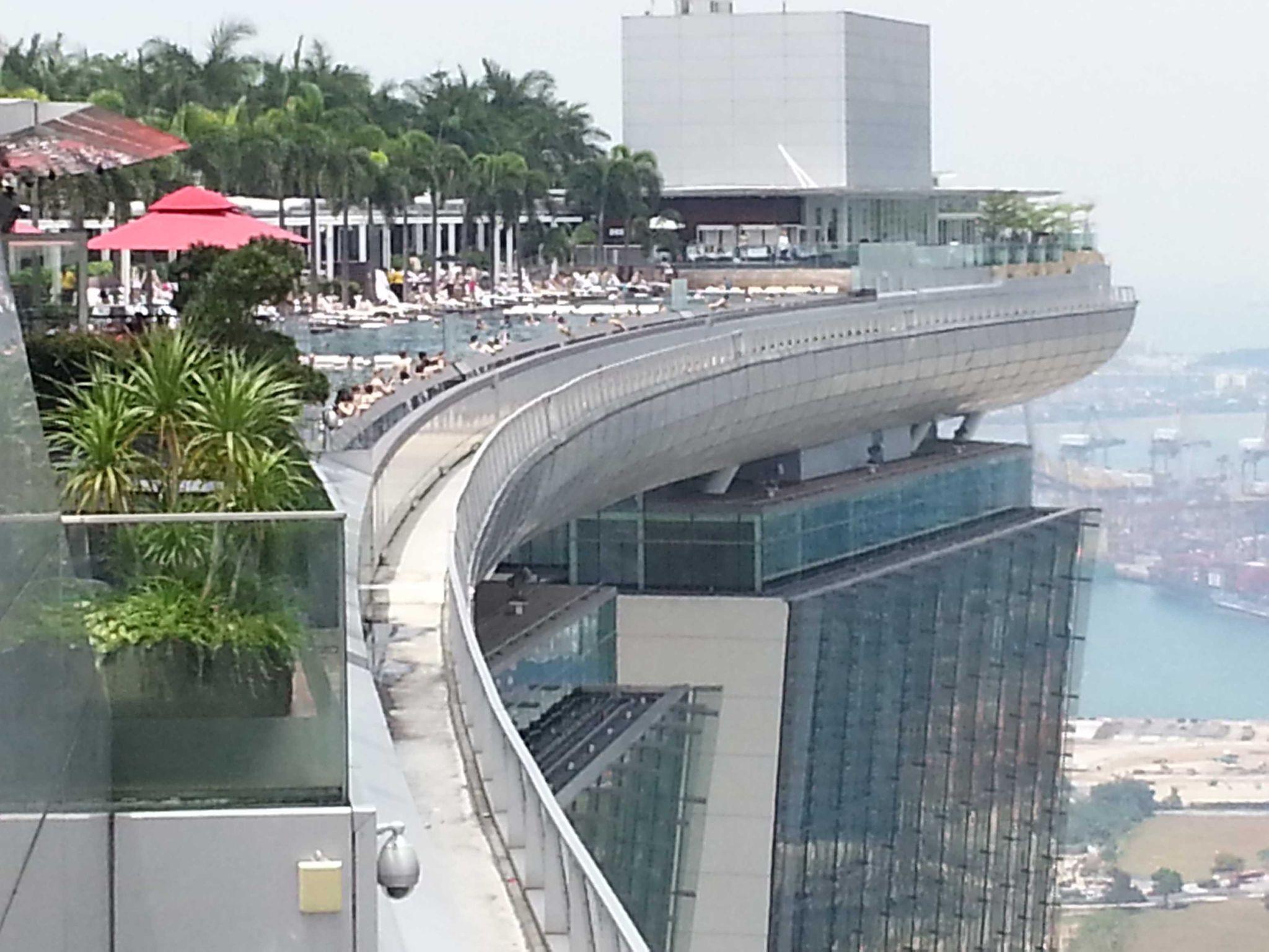 Singapore ville magique tour du monde d 39 ouest en est for Singapour hotel piscine sur le toit