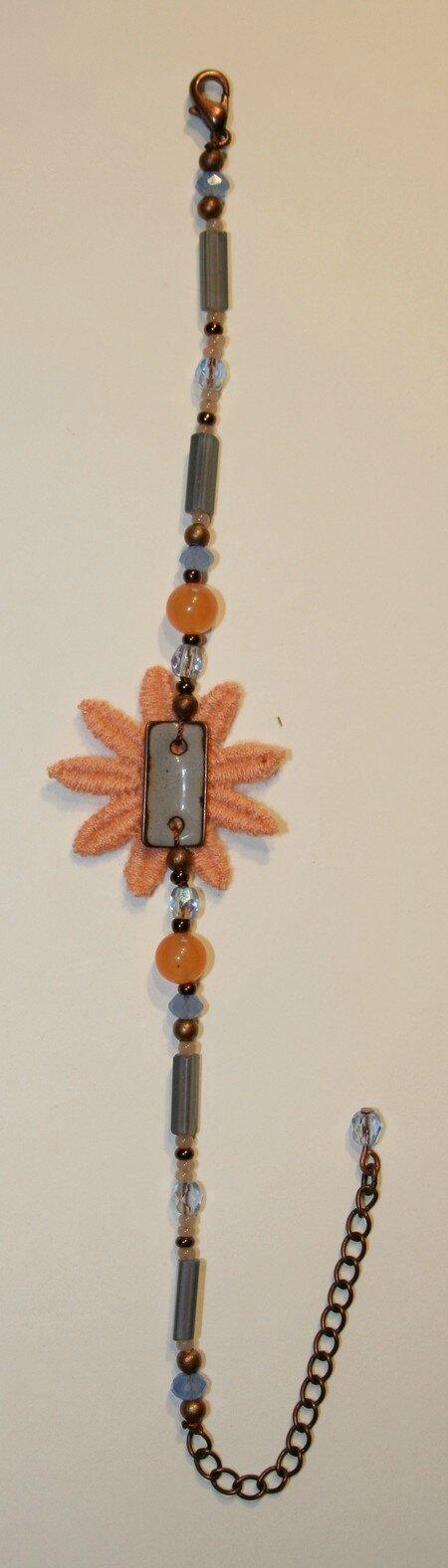 Bracelet fleur passementerie et émail
