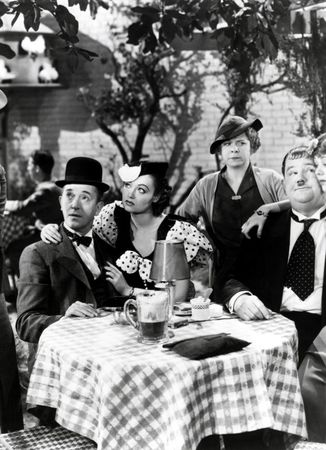 Laurel_Hardy_Our_Relations_02_580x800