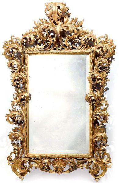 rare_miroir_en_bois_dore_sculpte_de_coquilles_1349342482742276