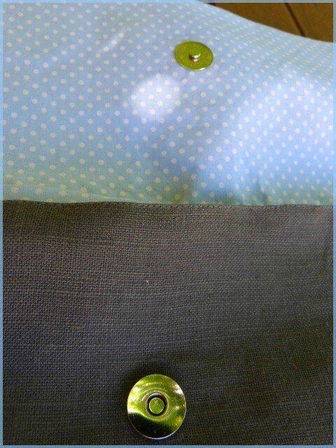 sac à dos enfant en lin et grenouille brodée détail