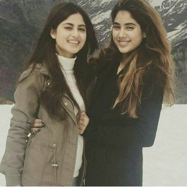 ASajal-Ali-with-Janhvi-Kapoor-Sridevi-s-daughter-on-location-of-Bollywood-film-Mom-12030