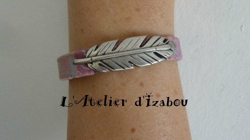 P1210083 Bracelet femme cur violet mauve argenté et passant plume, fermoir aimanté empire