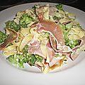 Tagliatelles crémées aux brocolis et jambon cru