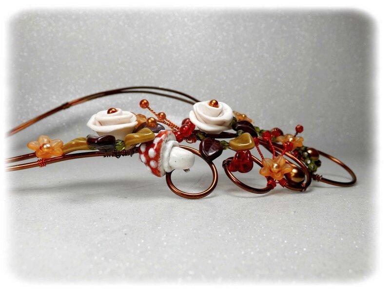 Collier créateur couleur de l'automne fleurs champignon rouge marron orange