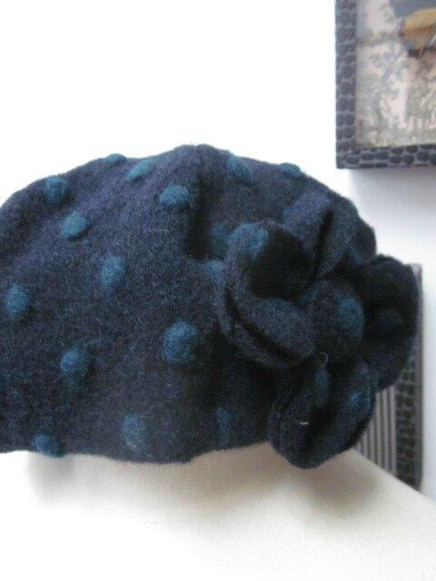 Chapeau AGATHE en maille lainage marine à pois vert sapin - doublure coton marine - taille 57 (1)