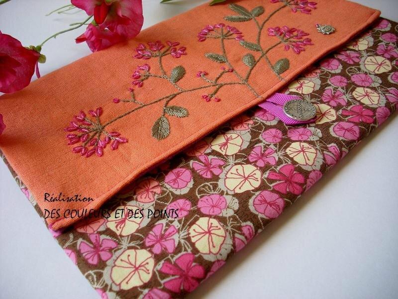 pochette fleurie rose orange détails