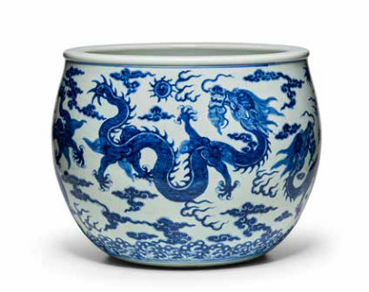 A blue and white 'dragon' jardinière, Late Qing-Republic Period