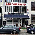 Manneken pils bruxelles belgique café