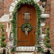 Outdoor-Christmas-Decorations-04-1-Kindesign-resized[1]