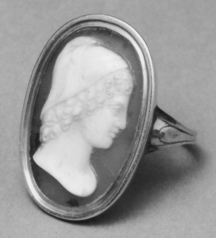 Italian_-_Ring_with_Cameo_of_Ganymede_-_Walters_421200_-_Group