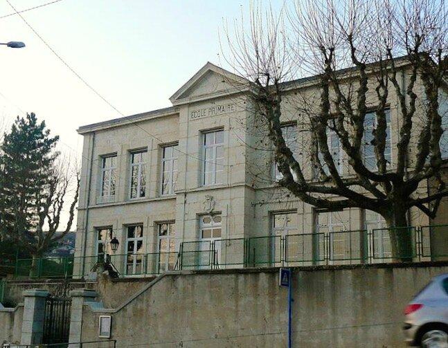 école Lavieu façade déc 2008