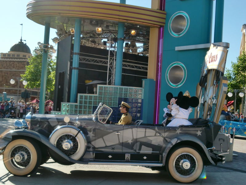 la parade des Disney Studios : Mickey et Minnie