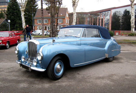 Bentley_mark_VI_Abbott_Drophead_coupe_de_1946__Retrorencard_fevrier_2010__01