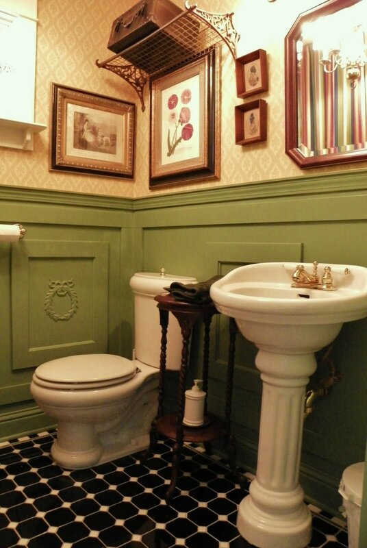 chez brambly little WC and little hall (3)